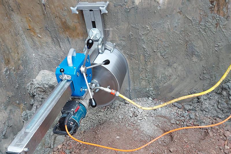 Kernbohrungen für Gülleleitungen, Wasserleitungen, Milchleitungen und ähnliche Leitungen