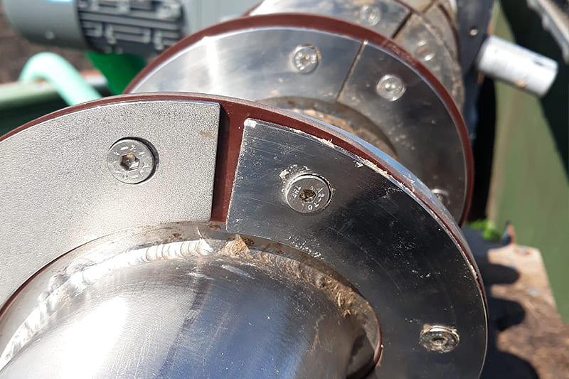 Wartung und Reparaturen von Separatoren, Pumpen, Entmistungsanlagen und Einstreurobotern.